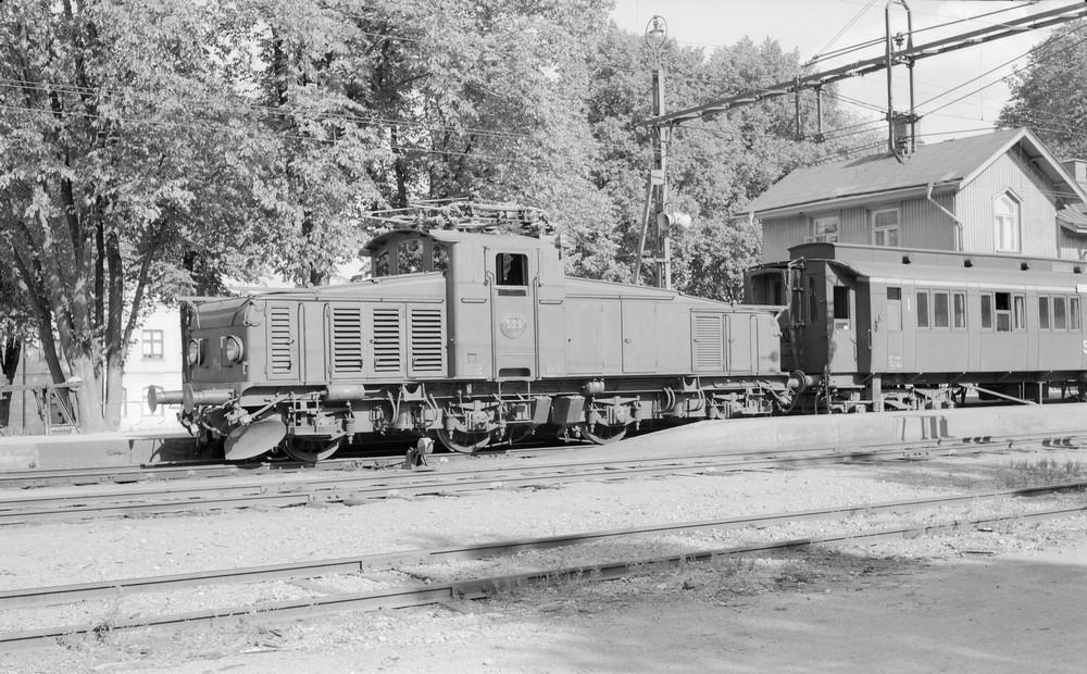 SJ Hc 529 i Strängnäs 1959. Källa Samlingsportalen Jvm.KBDA01048