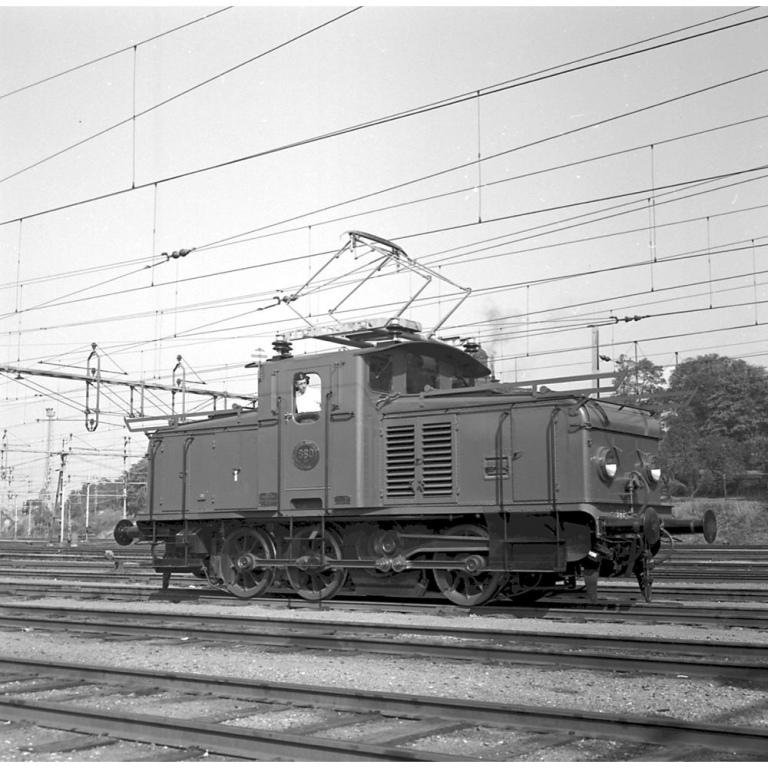 SJ Ud 860 1955, här syns den förändrade koppelstången tydligt. Källa Samlingsportalen Jvm.KBDB05797
