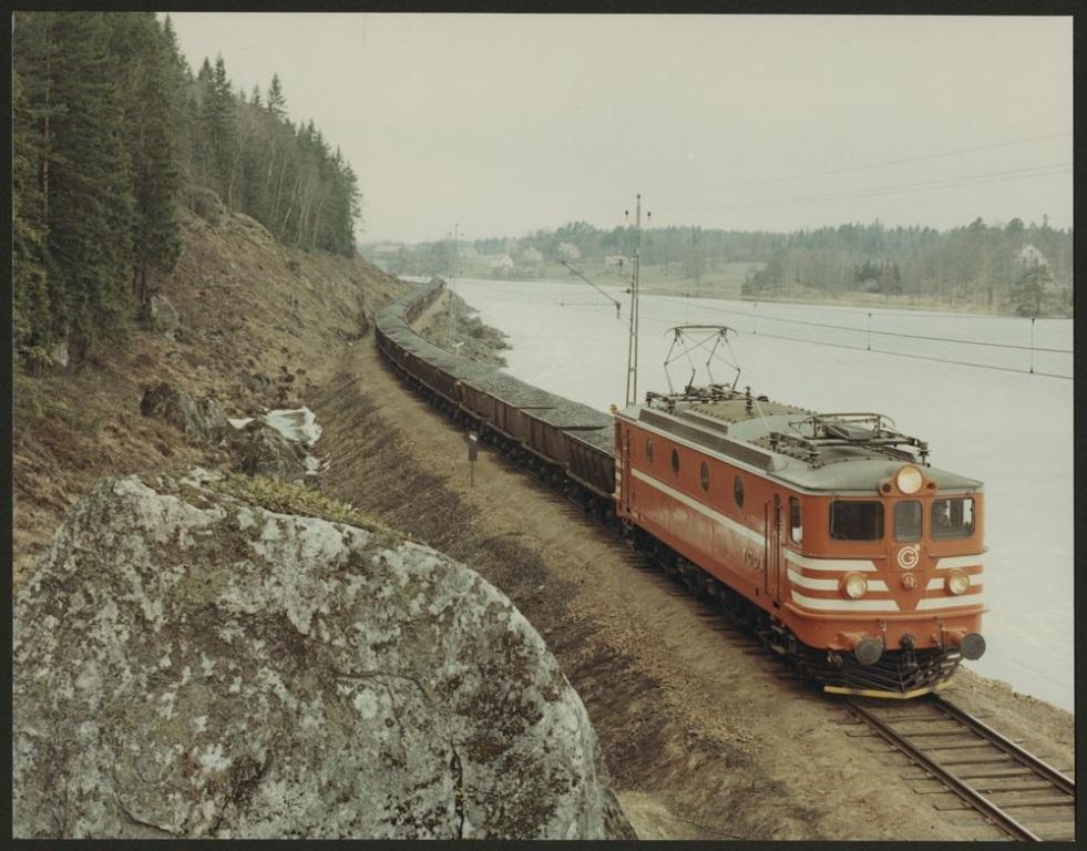 TGOJ Ma 402 på linjen mellan Mellösa och Flens övre. Källa Samingsportalen Jvm.KDAM04545